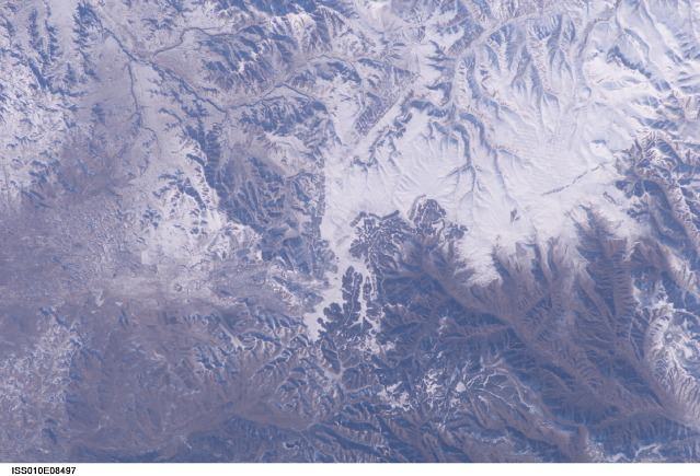 This picture, apparently the first verifiable photo of the Great Wall of China shot from low Earth orbit, was taken by International Space Station Commander Leroy Chiao on Nov. 24, 2004. Credit: NASA