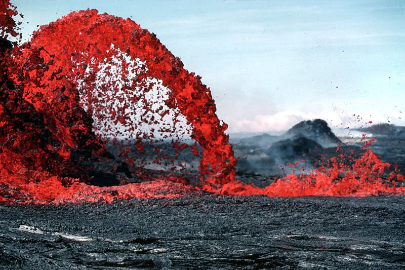 What is the Difference Between Lava and Magma? - Universe Today
