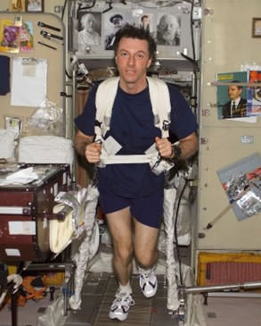 Michael Foale on the ISS's treadmill. Credit: NASA