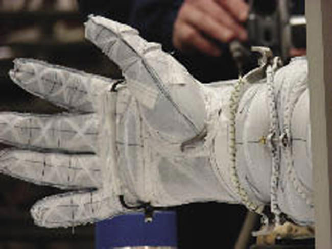 Designing a Better Astronaut Glove - Universe Today