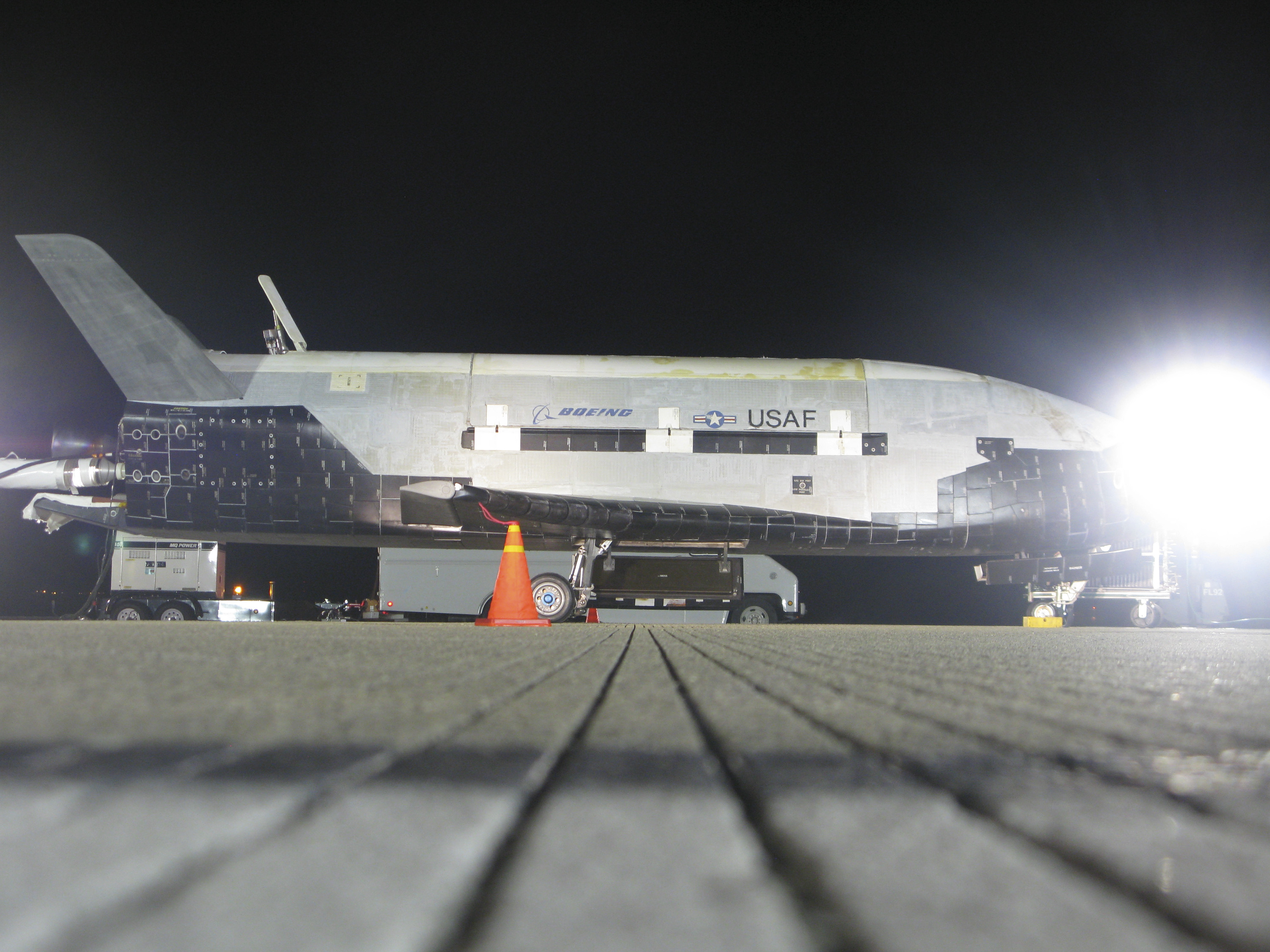 Gallery: X-37B Space Plane Returns to Earth - Universe Today