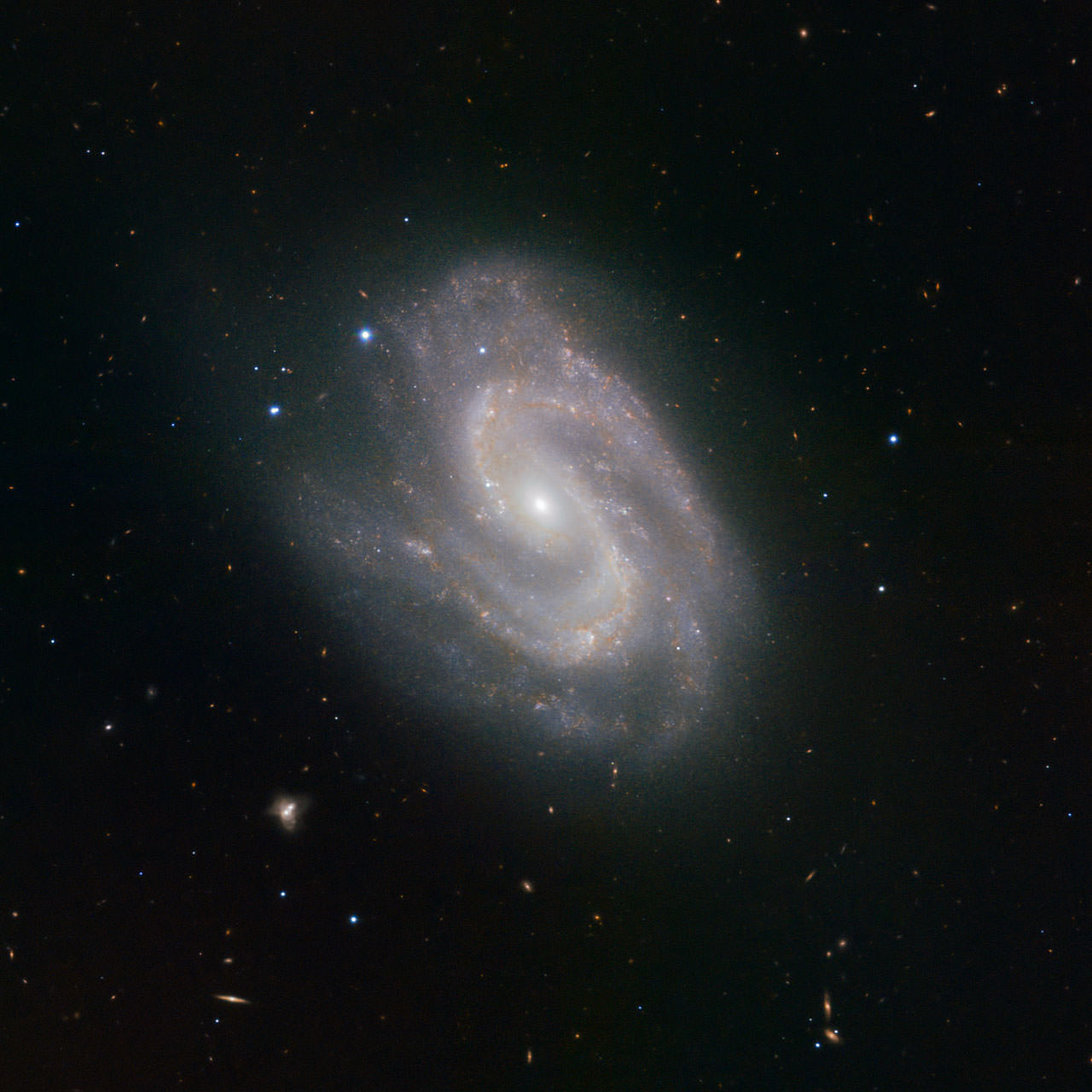 Super galaxy, NGC 157. Credit:  ESO