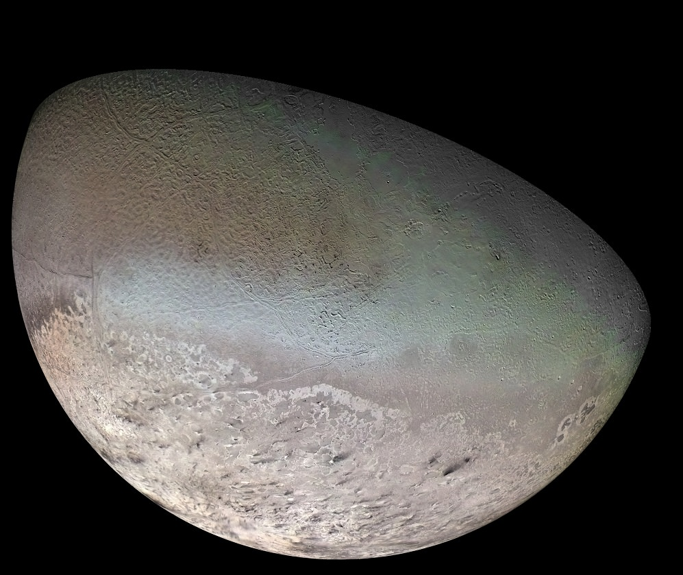 Global Color Mosaic of Triton, taken by Voyager 2 in 1989. Credit: NASA/JPL/USGS