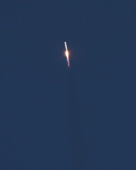 Antares accelerates to orbit on April 21, 2013 from NASA Wallops Flight Facility. Credit: Mark Usciak/AmericaSpace