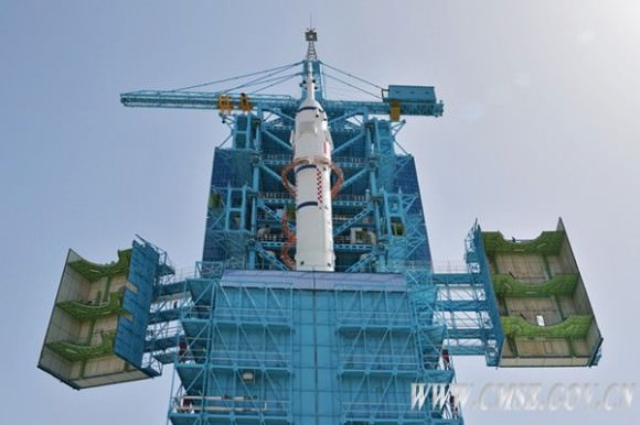 The Shenzhou 10 spacecraft and Long March 2F/Y10 carrier rocket at the launchpad in early June 2013. Credit: China Manned Space Engineering