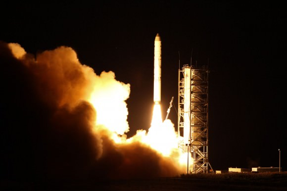 LADEE's launch aboard a Minotaur V on Sept. 6, 2013. Credit: NASA Wallops/Chris Perry