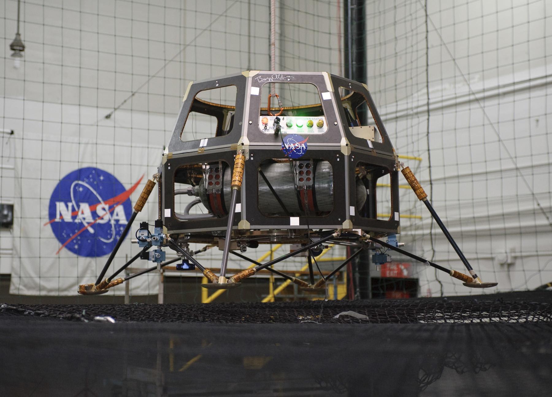 spacecraft bus - photo #20
