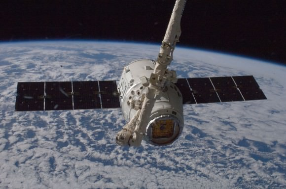 SpaceX's Dragon spacecraft berthed to the International Space Station during Expedition 33 in October 2012. Credit: NASA