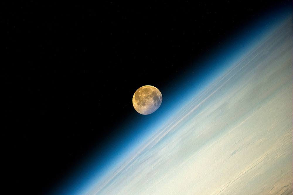 "The ""super moon"" of August 2014 captured by Expedition 40's Oleg Artemyev on the International Space Station. Credit: OlegMKS / Twitter"