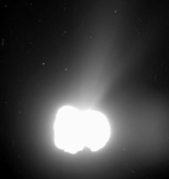 Rosetta took a long-exposure image with its wide-angle camera on August 2, 2014, to observe jets of dust escaping from the comet. The photo was taken from a distance of 550 kilometers. ESA / Rosetta / MPS for OSIRIS Team MPS / UPD / LAM / IAA / SSO / INTA / UPM / DASP / IDA