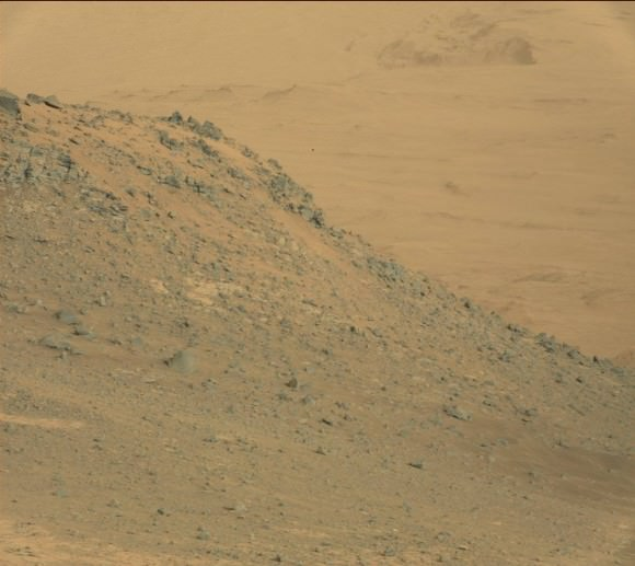 Mars Curiosity peers over a craggy ridge on Oct. 7, 2014 (Sol 771). Credit: NASA/JPL-Caltech/MSSS