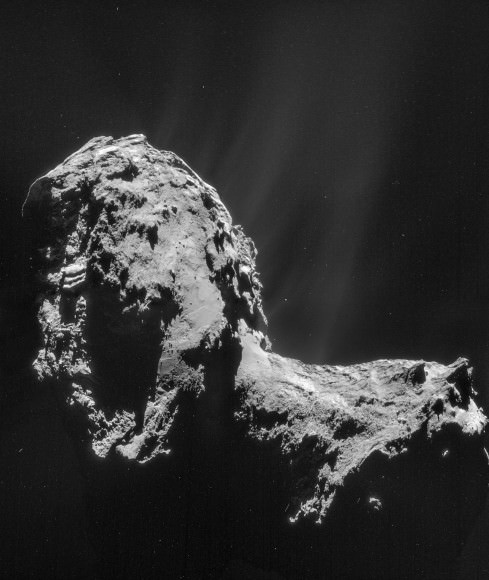 Gas and dust stream from Comet 67P/Churyumov–Gerasimenko in this mosaic from the Rosetta spacecraft taken Nov. 20, 2014. Credit: ESA/Rosetta/NAVCAM – CC BY-SA IGO 3.0