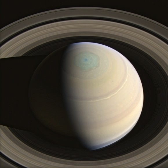 Saturn's relatively thin main rings are about 250,000 km (156,000 miles) in diameter. (Image: NASA/JPL-Caltech/SSI/J. Major)