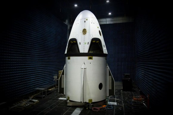 SpaceX Dragon V2 pad abort test flight vehicle. Credit: SpaceX