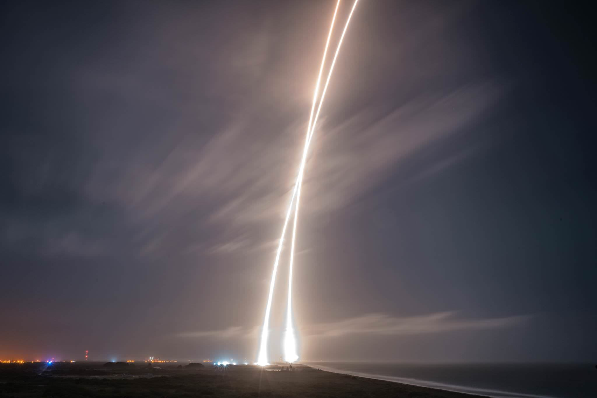 Long exposure of launch, re-entry, and landing burns of SpaceX Falcon 9 on Dec. 21, 2015. Credit: SpaceX