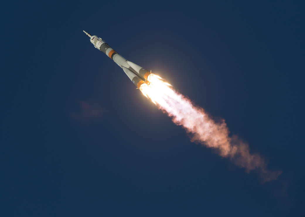 The Soyuz TMA-19M rocket aloft after Dec 15, 2015 blastoff with Expedition 46 crew on Dec. 15, 2015 at the Baikonur Cosmodrome in Kazakhstan.  Credit: NASA/Joel Kowsky