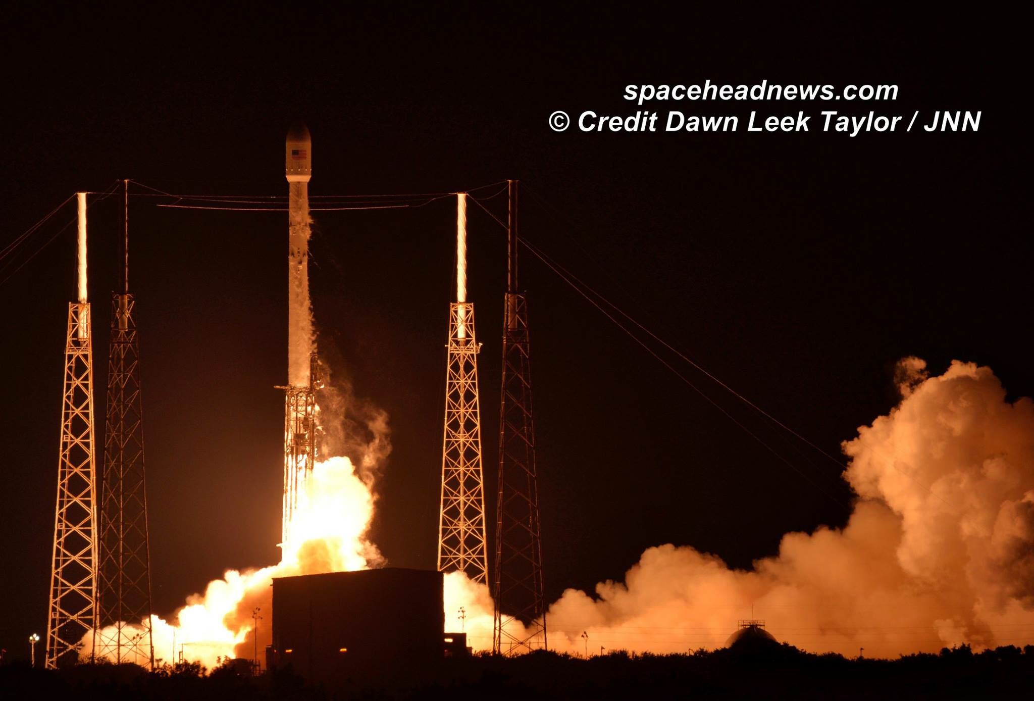 Launch of SpaceX Falcon 9 carrying JCSAT-14 Japanese communications satellite to orbit on May 6, 2016 at 1:21 a.m. EDT from Space Launch Complex 40 at Cape Canaveral Air Force Station, Fl.  Credit: Dawn Leek Taylor