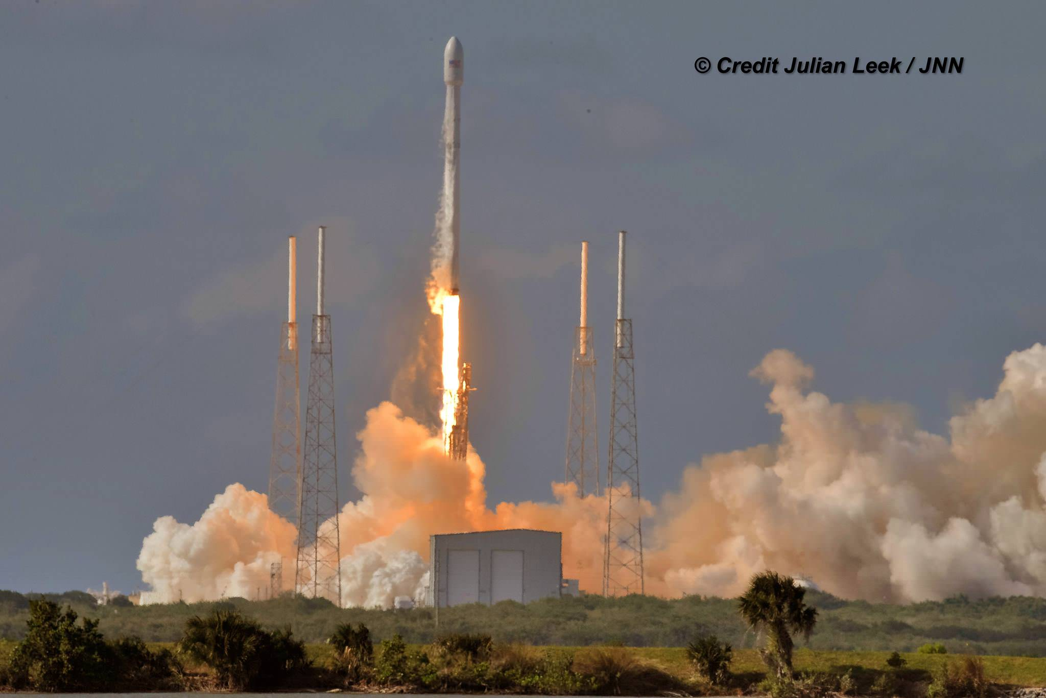 Launch of SpaceX Falcon 9 carrying Thaicom-8 to orbit on May 27, 2016 from Space Launch Complex 40 at Cape Canaveral Air Force Station, Fl.  Credit: Julian Leek