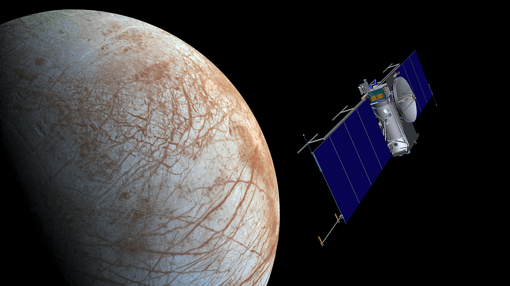 An artist's concept of the Europa mission. The multi-year mission would conduct fly-bys of Europa designed to protect it from the extreme environment there. Image: NASA/JPL-Caltech