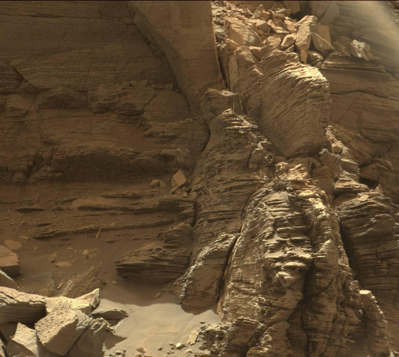 Stunning New Images Of Mars From The Curiosity Rover - Universe Today