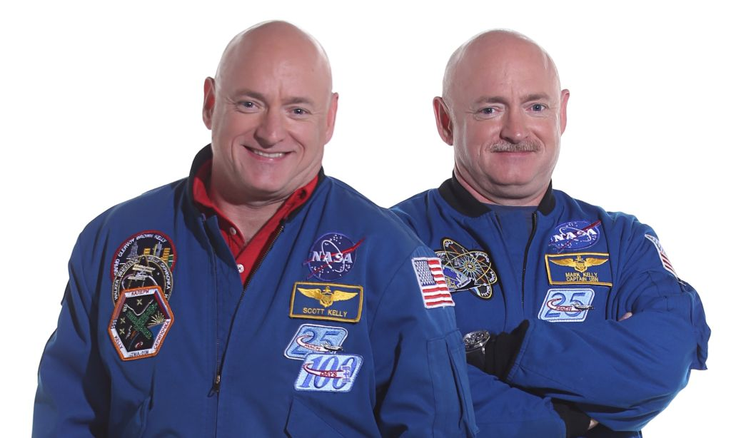 NASA's astronauts twins, Scott Kelly (l) and Mark Kelly (r). Image: NASA