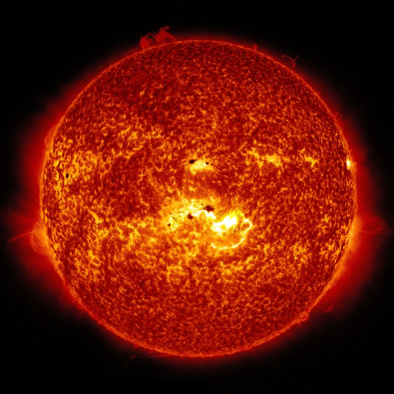 Our Sun is a Population II star about 5 billion years old. It contains elements heavier than hydrogen and helium, including oxygen, carbon, neon, and iron, though only in tiny percentags. Image: NASA/Solar Dynamics Observatory.