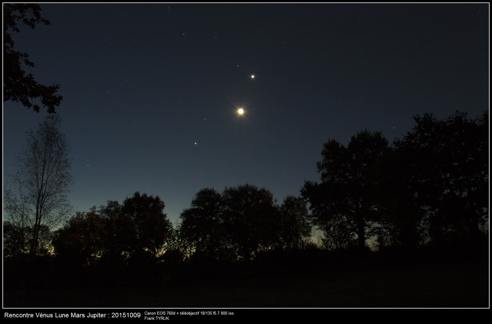 Jupiter Meets Venus at Dawn in a Close Conjunction - Universe Today